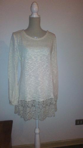 blusa tejida en hilo de algodón y ruedo de encaje (su00498)