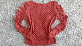 360387502f Blusa Com Furos Vermelha - Calçados