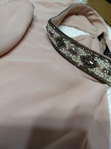 f459194a0 Blusa Zara Con Cuello Bordado En Piedras Y Perlitas