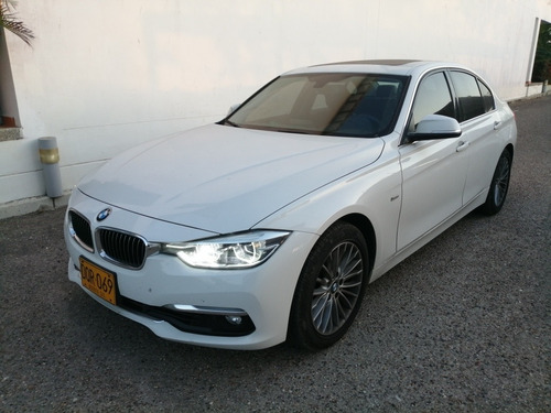 bmw 320i luxury modelo 2017 color blanco 5 puertas