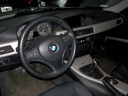 bmw 320i sedan executive 2011