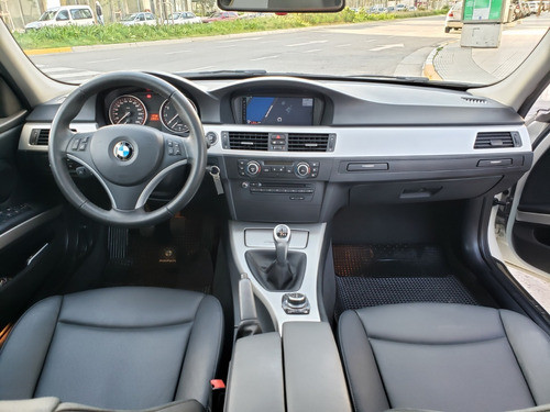 bmw 325i sedan mt 2011 88.000kms kit performance