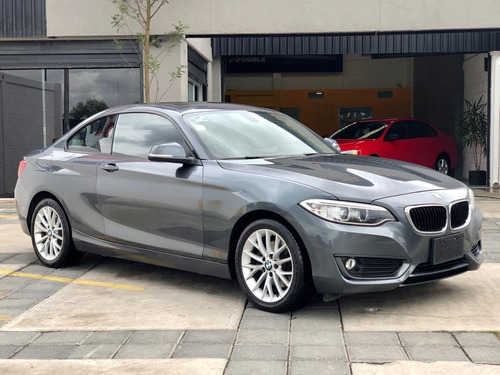 bmw serie 2 2.0 220ia sport line at  $295,000 a crédito