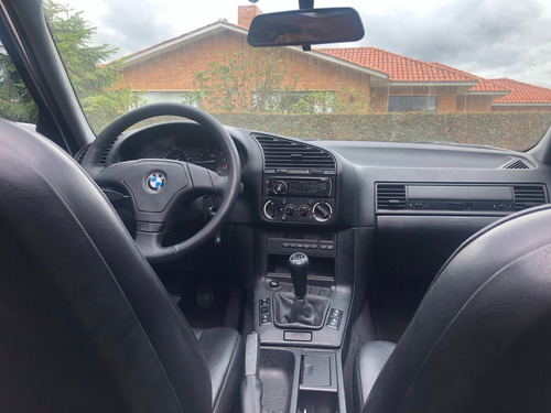 bmw serie 3 318is 1997