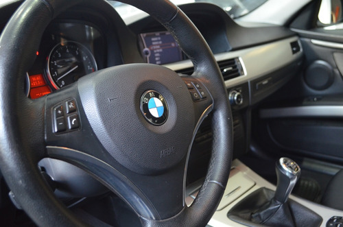 bmw serie 325i coupe - car cash