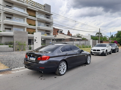 bmw serie 5 v8 biturbo 410 hp.