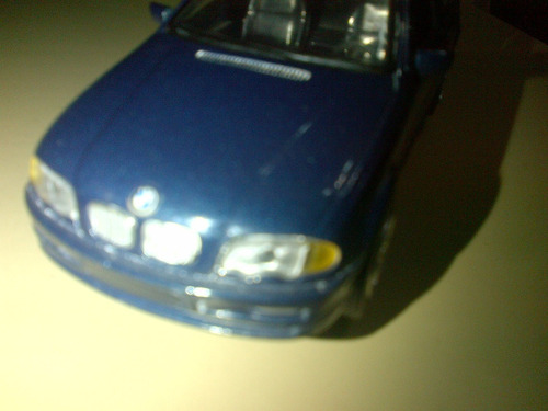 bmw serie3 año 1999 a escala 1:32 marca new ray toys