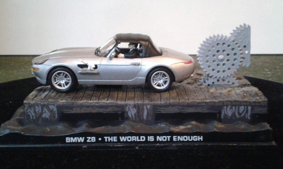 Bmw Z8 007 The World Is Not Enough R 55 00 Em Mercado
