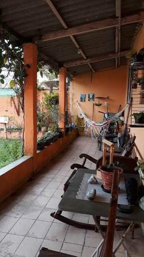 boa casa com 2 quartos em itanhaém, lado praia!!!