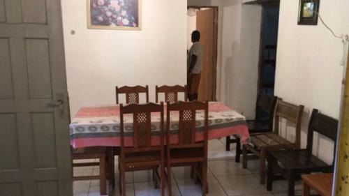 boa casa com 2 quartos no recanto dos imigrantes, itanhaém!!