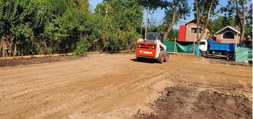 bobcat / movimiento de suelo/ excavacion de piletas.