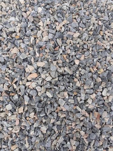 bobcat y retroexcavadora - materiales de cantera