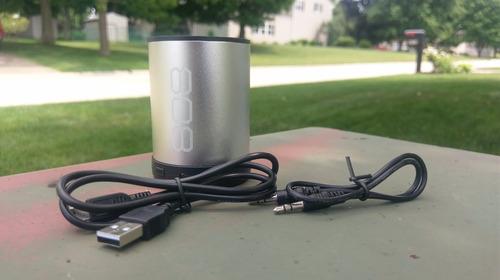 bocina bluetooth 808 canz de gran sonido con batería recarga