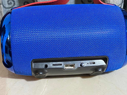 bocina bluetooth azul con puerto usb centro de carga y auxi