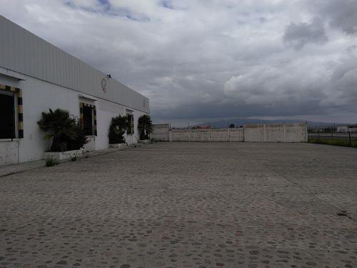 bodega 4500 m² con cámaras de refrigeración