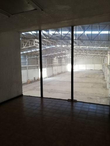 bodega 5,000 m2 + oficinas