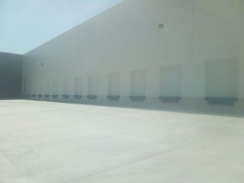 bodega 5,500 m2 dentro de parque industrial zona aeropuerto