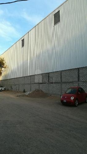 bodega comercial en renta en av. principal cerca del centro de querétaro.