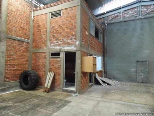 bodega comercial ideal para gym, bodega, o cualquier otro giro comercial por su estratégica ubicación comercial col. ref