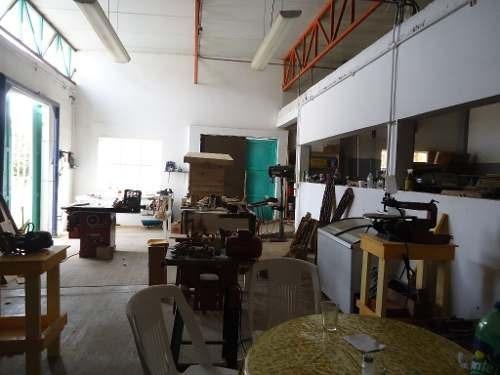 bodega con departamento en venta lomas del ebano