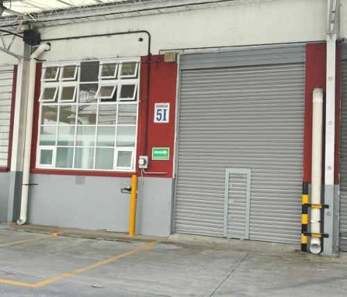 bodega con oficinas dentro de parque industrial