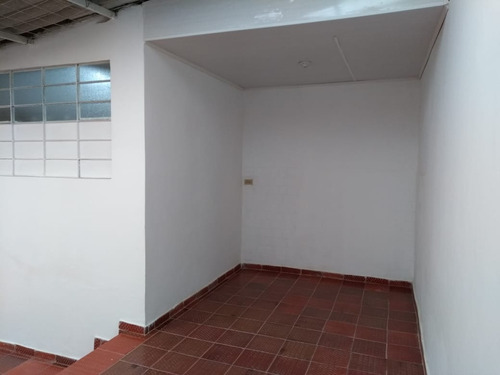 bodega de 70 m2 en sector galerías - bogotá d.c.
