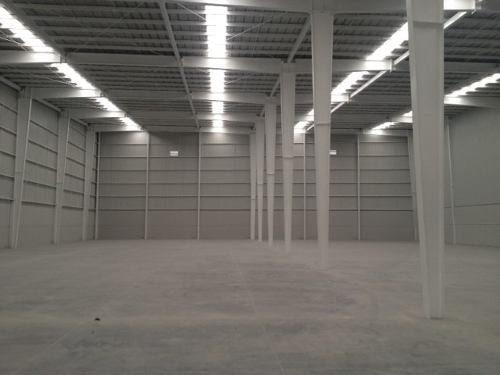 bodega de 9,796 m2. cuautitlán. 6 andenes en conjunto