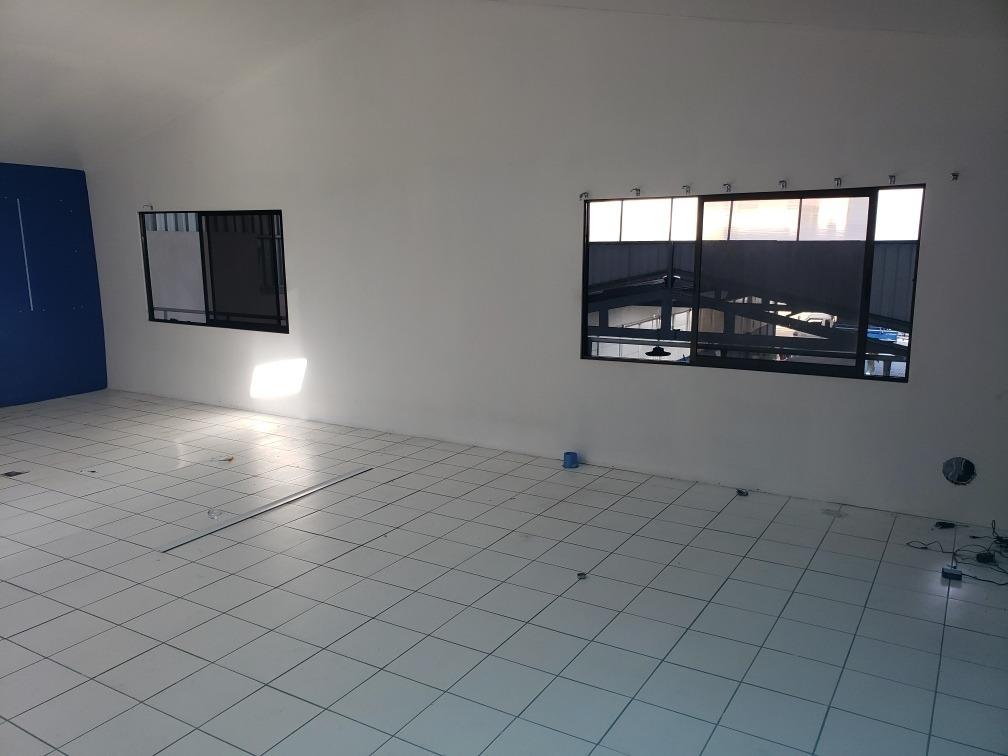 bodega en plaza gonzalez viquez 491 m2 mas 150 de mezzaninne