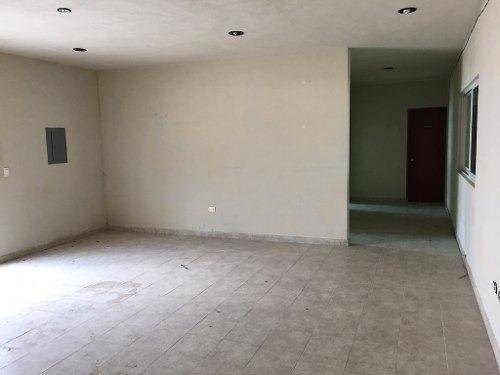 bodega en renta 1,000 m2 mas oficinas av colosio