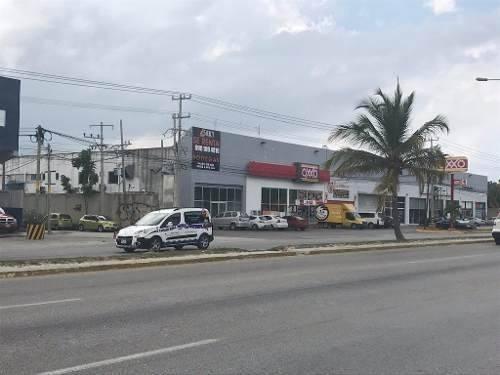 bodega en renta 1,000m2 av colosio cancun  $85 m2