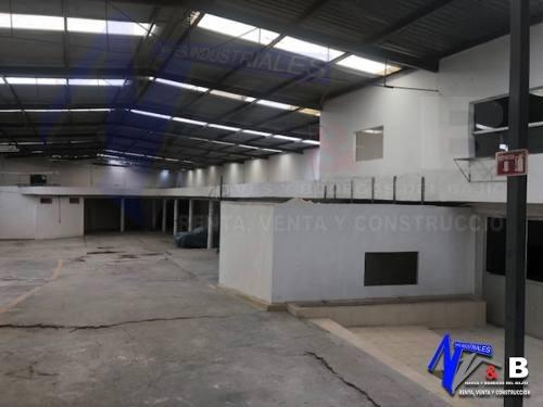 bodega en renta con acceso para trailer 1,200 m2