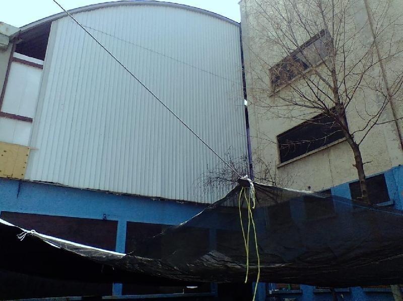 bodega en renta frente central de abastos, bodega en renta con doble altura, espacio para maniobra.