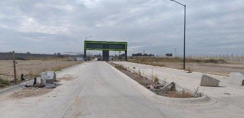 bodega en renta zona industrial frente a puerto interior en silao gto.