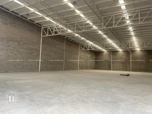 bodega en renta zona sur (carr cuauhtemoc) 1,000 m2 $60,000