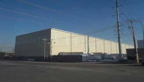 bodega en  venta de 4261 m2 con oficinas.