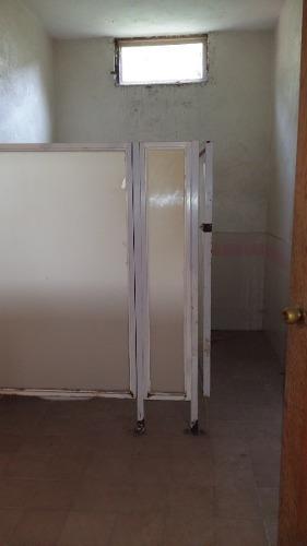 bodega en venta en el pueblito, ideal para taller mecanico, restaurant, etc.