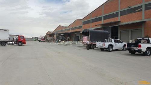 bodega fontibon 2.000 m2  muelles- estanteria