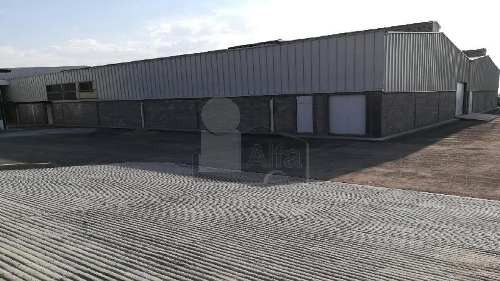 bodega industrial en renta/venta en la salida a celaya