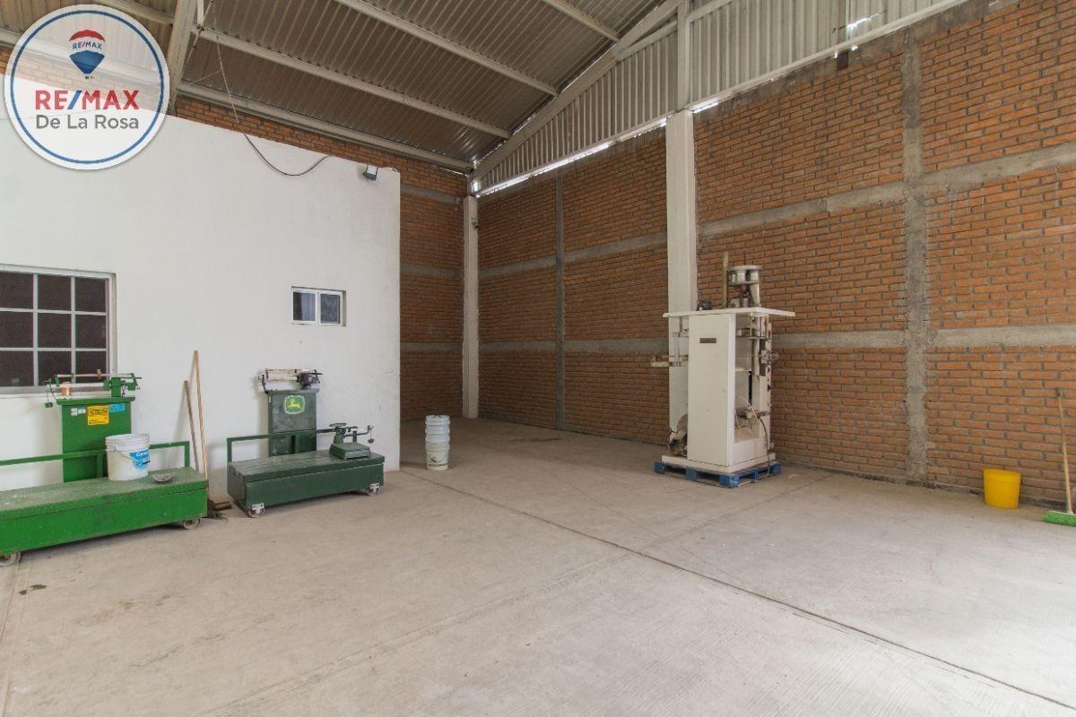 bodega industrial nueva en venta con preparaciones especiales