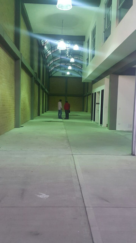 bodega o local comercial  560 m2