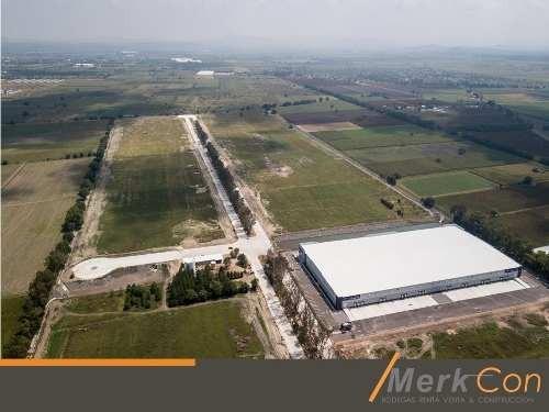 bodega renta 28,000 m2 parque industrial rumbo aeropuerto, qro., qro., méxico