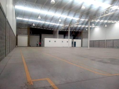 bodega renta 950 m2 parque industrial en querétaro.