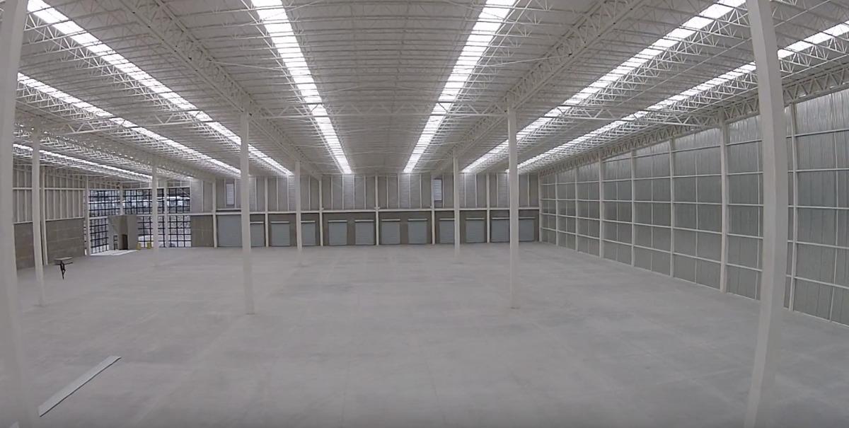 bodega renta de 11,375 m2 en parque idustrial en queretaro, qro. mexico