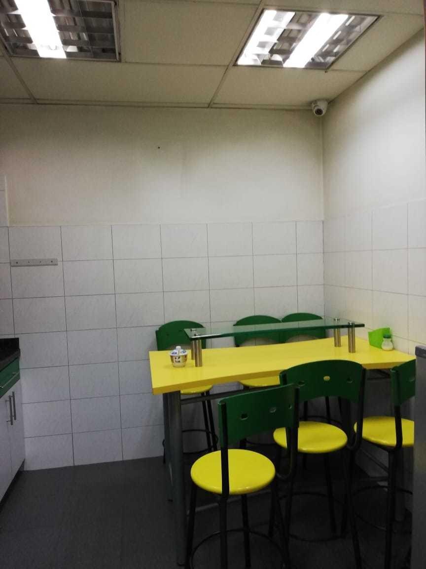 bodega u oficinas zona franca -  285 m2