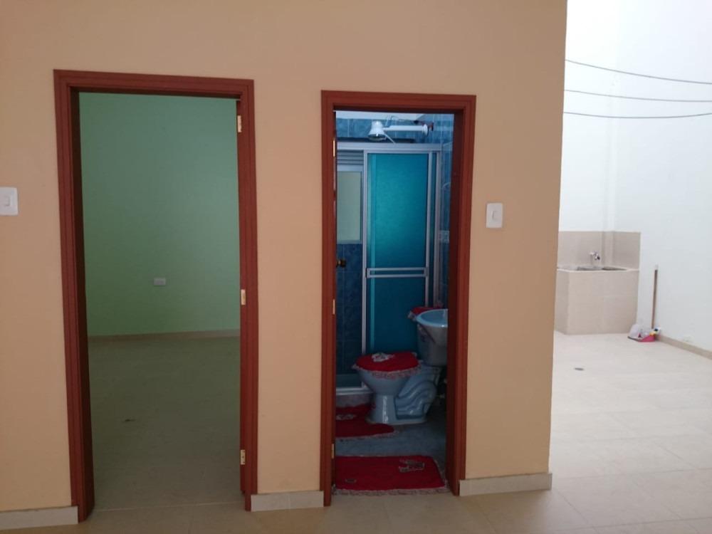 bodega uso comercial, 1 oficina, 2 baños, 1 cocina.