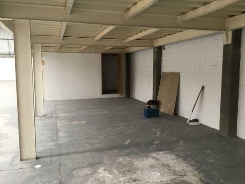 bodega/planta/almacén con oficinas en con excelente ubicación en queretaro