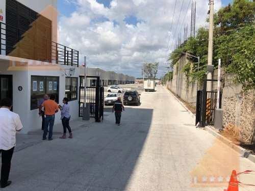 bodegas en renta 505m2 con anden de carga y rampa av.colosio cancun
