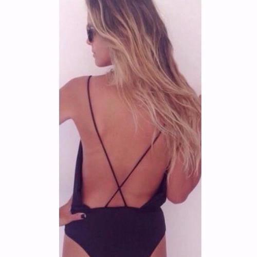 body feminino bruna marquezine costa nua