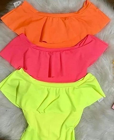 60c5323da1d6 Body Feminino Cigana Ombro A Ombro Detalhe Babado Neon Bojo - R$ 39 ...