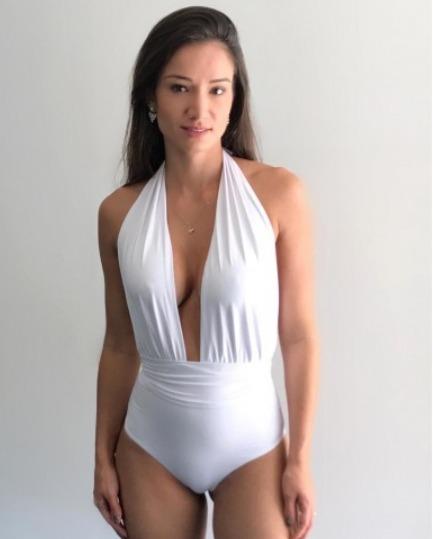 1e75a3a04cb0 Body Maio Feminino Frente Unica Cavado Decote Grande E1 - R$ 90,00 ...